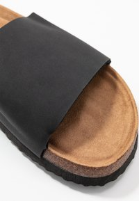 Rubi Shoes by Cotton On - REX SINGLE VAMP SLIDE - Mules - black - 2