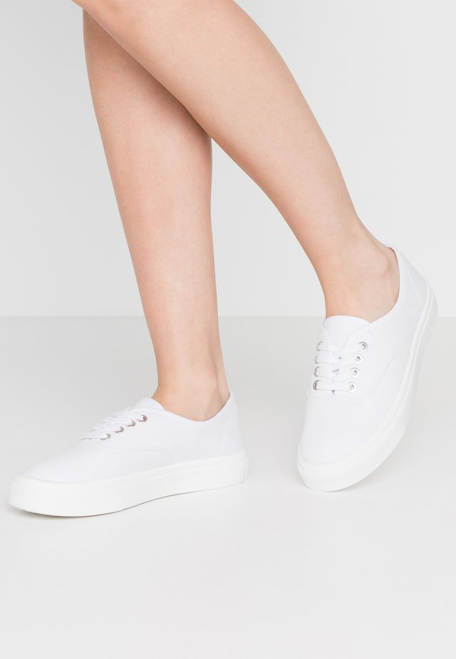 JAMIE LACE UP - Sneakers - white