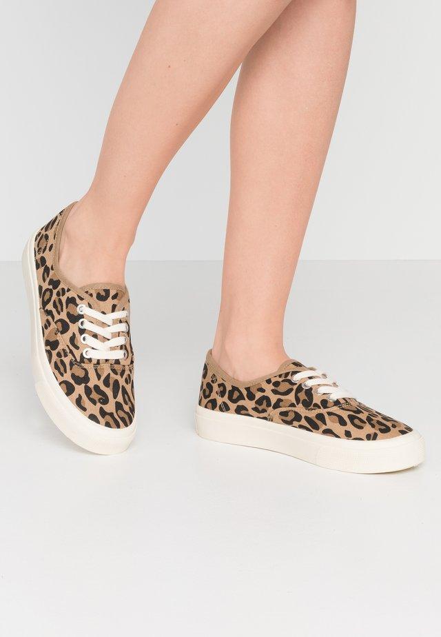 JAMIE LACE UP - Sneakers - brown