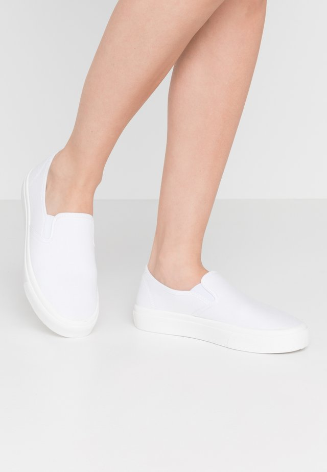 HARPER  - Slippers - white