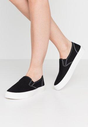 HARPER  - Slip-ons - black/white