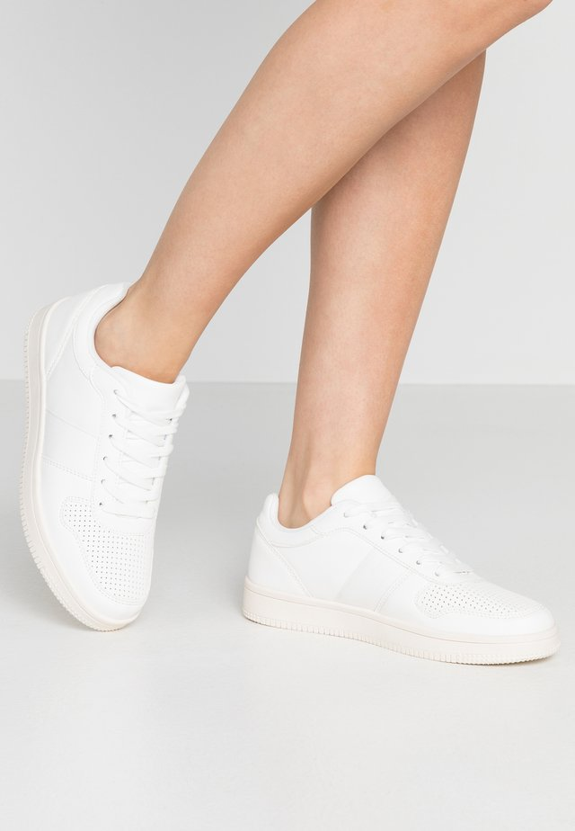 ALBA RETRO RISE - Sneakers - white
