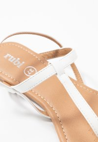 Rubi Shoes by Cotton On - EVERYDAY TOE POST  - T-bar sandals - white - 2