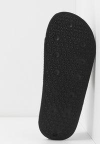 Rubi Shoes by Cotton On - WILD SLIDE - Pantofle - minimalist black - 6
