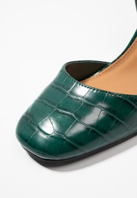 Rubi Shoes by Cotton On - BRIANNA SQUARE TOE - Decolleté - green - 2