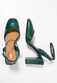 Rubi Shoes by Cotton On - BRIANNA SQUARE TOE - Decolleté - green - 3