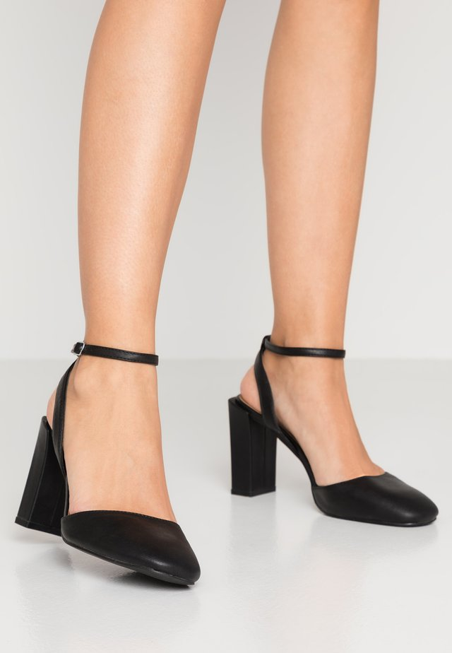 BRIANNA SQUARE TOE - Højhælede pumps - black