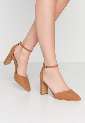 JEANNE CLOSED TOE HEEL - Escarpins - tan