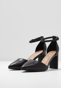 Rubi Shoes by Cotton On - JEANNE CLOSED TOE HEEL - Classic heels - black - 4