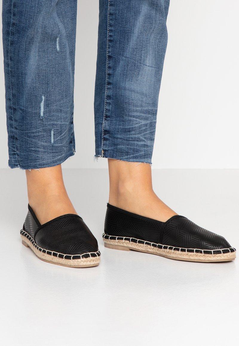 Rubi Shoes by Cotton On - YVONNE - Espadrilles - black