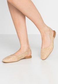 Rubi Shoes by Cotton On - ESSENTIAL LILI SQAURE TOE SLINGBACK - Ballerinasko - camel - 0
