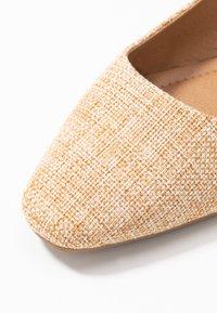 Rubi Shoes by Cotton On - ESSENTIAL LILI SQAURE TOE SLINGBACK - Ballerinasko - camel - 2