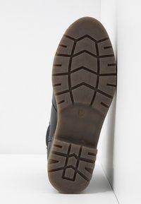 Rubi Shoes by Cotton On - FRANKIE GUSSET FLATFORM - Plateaustøvletter - black - 6