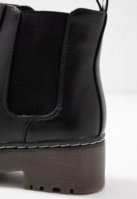 Rubi Shoes by Cotton On - FRANKIE GUSSET FLATFORM - Plateaustøvletter - black - 2