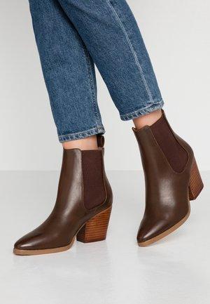 SOPHIA GUSSET BOOT - Ankelboots - dark tan smooth
