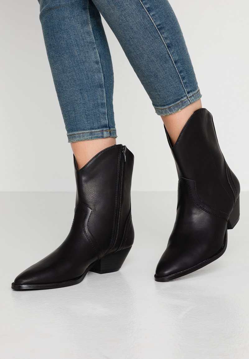 Rubi Shoes by Cotton On - LARISSA WESTERN BOOT - Cowboy- / bikerstøvlette - black