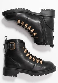 Rubi Shoes by Cotton On - HARIETTE LACE UP BOOT - Lace-up ankle boots - black/gold - 3