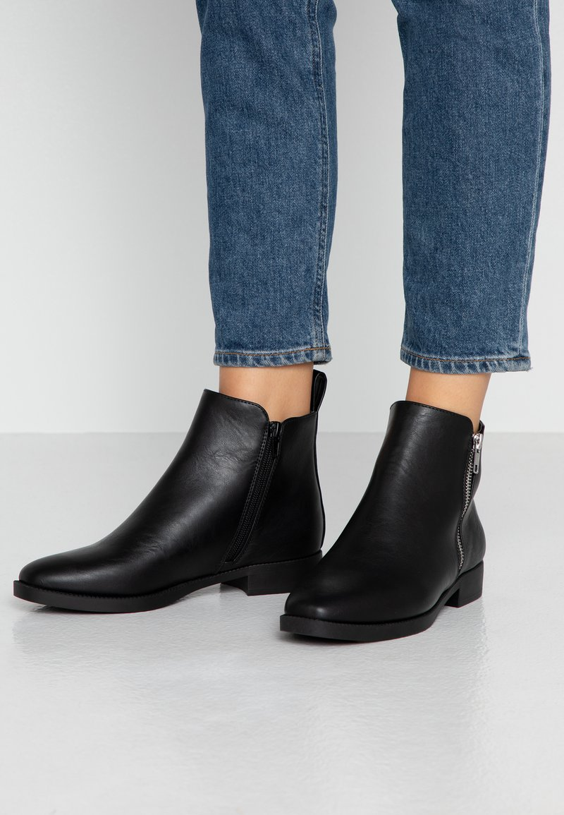 Rubi Shoes by Cotton On - JESINTA SQUARE TOE ZIP BOOT - Ankelboots - black smooth