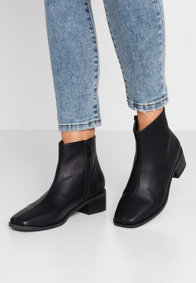 DOWNTOWN - Classic ankle boots - black smooth