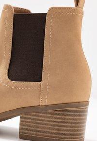 Rubi Shoes by Cotton On - BRIXTON GUSSET - Ankelstøvler - cinnamon - 2