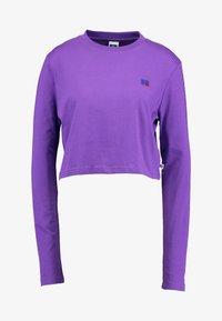 Russell Athletic Eagle R - SCARLETT CROP LOGO - Camiseta de manga larga - royal purple - 4
