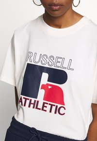 Russell Athletic Eagle R - VIRGINIA - T-shirt med print - soya - 5