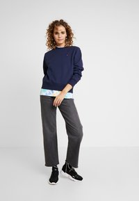 Russell Athletic Eagle R - CREW NECK - Bluza - navy - 1
