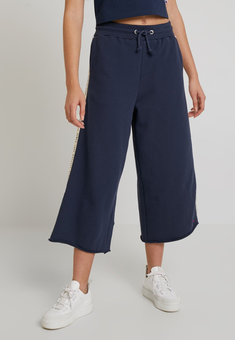 Russell Athletic Eagle R - MICHELLE - Tracksuit bottoms - dark blue