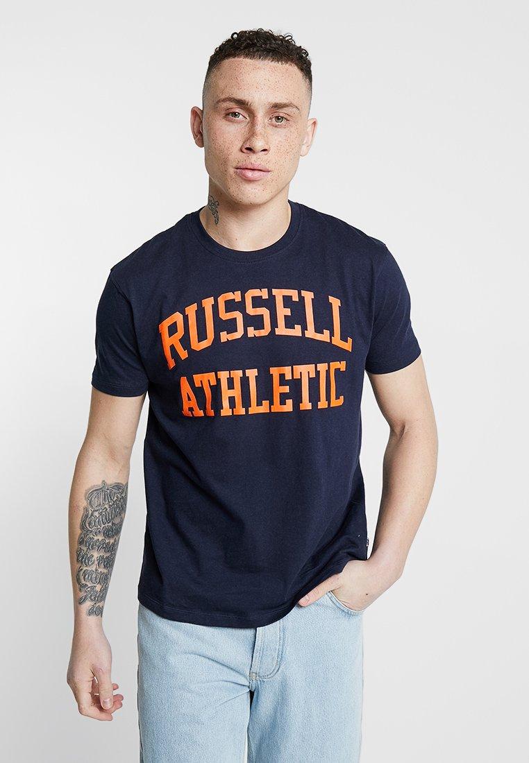 Russell Athletic Eagle R - ICONIC TEE - Camiseta estampada - navy/orange