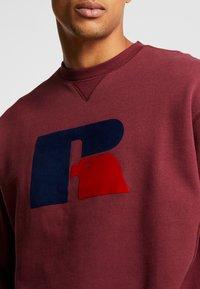 Russell Athletic Eagle R - BENJAMIN - Sweatshirt - dark red - 4