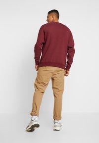 Russell Athletic Eagle R - BENJAMIN - Sweatshirt - dark red - 2