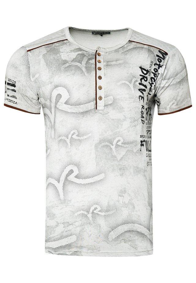 MIT MODERNEM PRINT - T-shirt print - grau