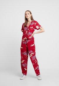 RVCA - CRANES PANT - Pantalon classique - red - 2