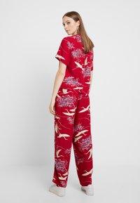RVCA - CRANES PANT - Pantalon classique - red - 3