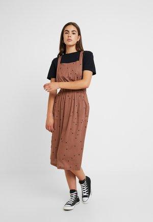 SYCAMORE - Denní šaty - nutmeg