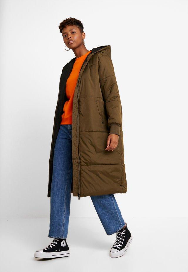 CAMPER - Classic coat - army drab