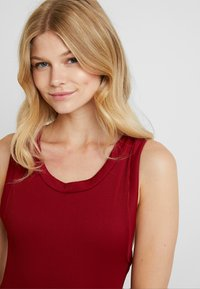 RVCA - FADE OUT CHEEKY ONEPIECE - Baddräkt - wine - 3