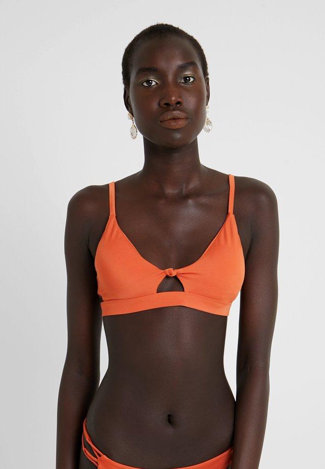 SOLID - Haut de bikini - amber