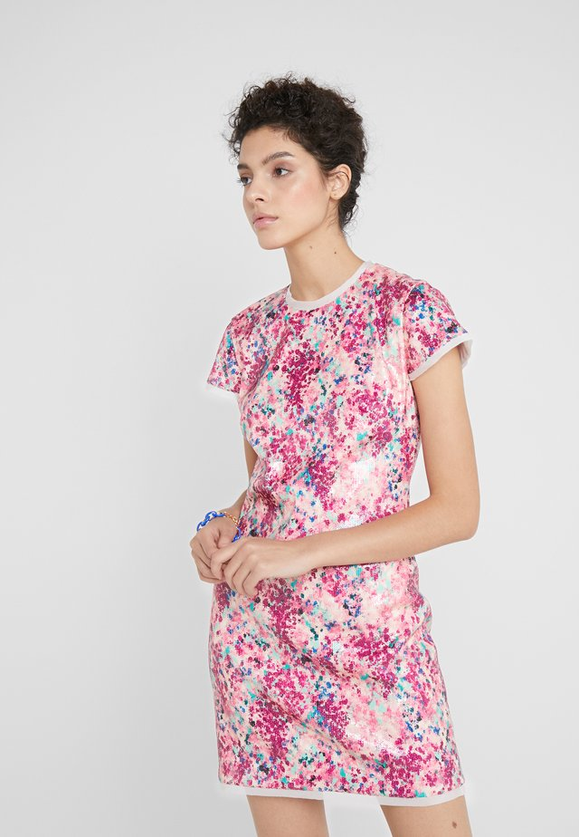 LILI DRESS - Cocktailkjoler / festkjoler - pink/multi-coloured