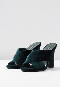 Senso - POPPY - Heeled mules - emerald - 4