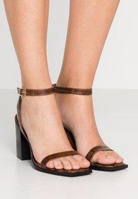 Senso - ROZA - High Heel Sandalette - cocoa - 0