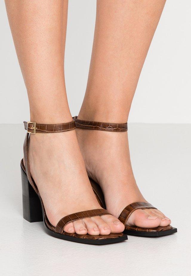 ROZA - Højhælede sandaletter / Højhælede sandaler - cocoa