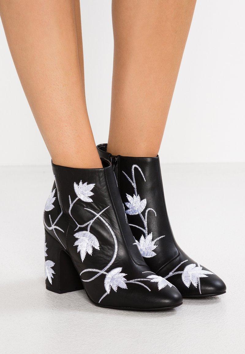 Senso - JULIA - High heeled ankle boots - ebony