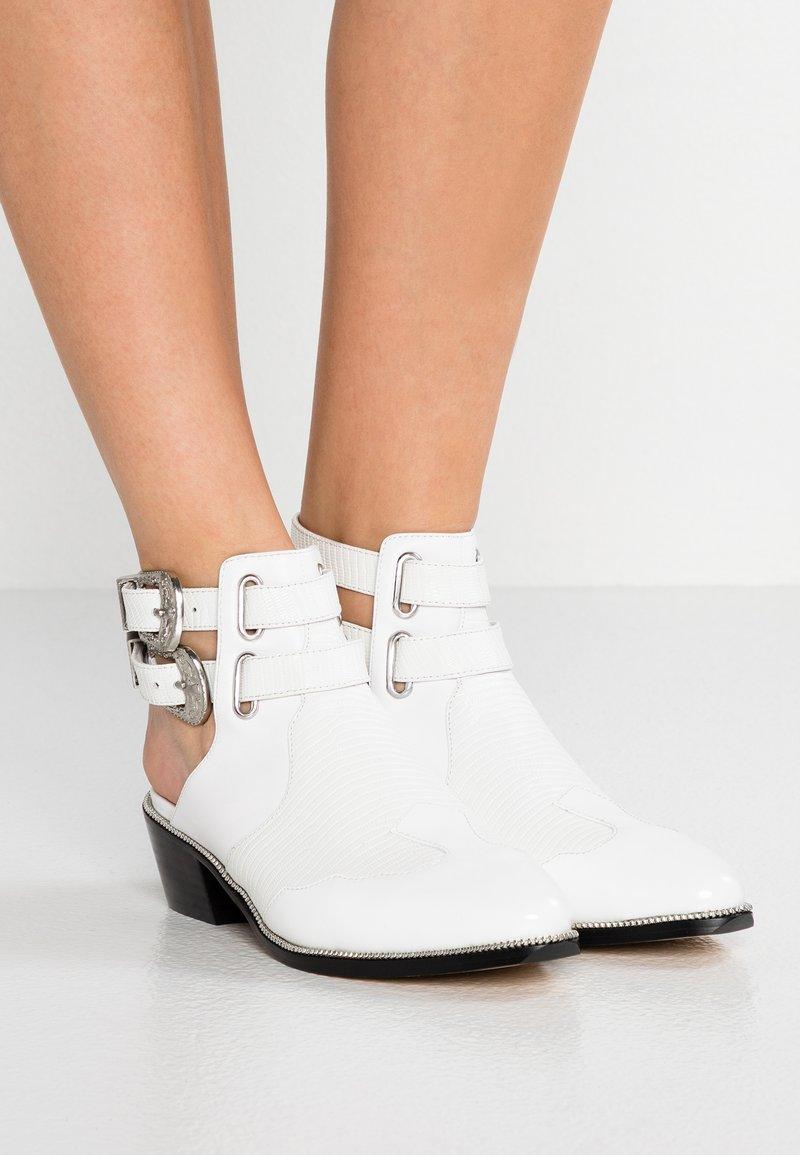 Senso - LUCAS HI SHINE - Ankle boots - ice
