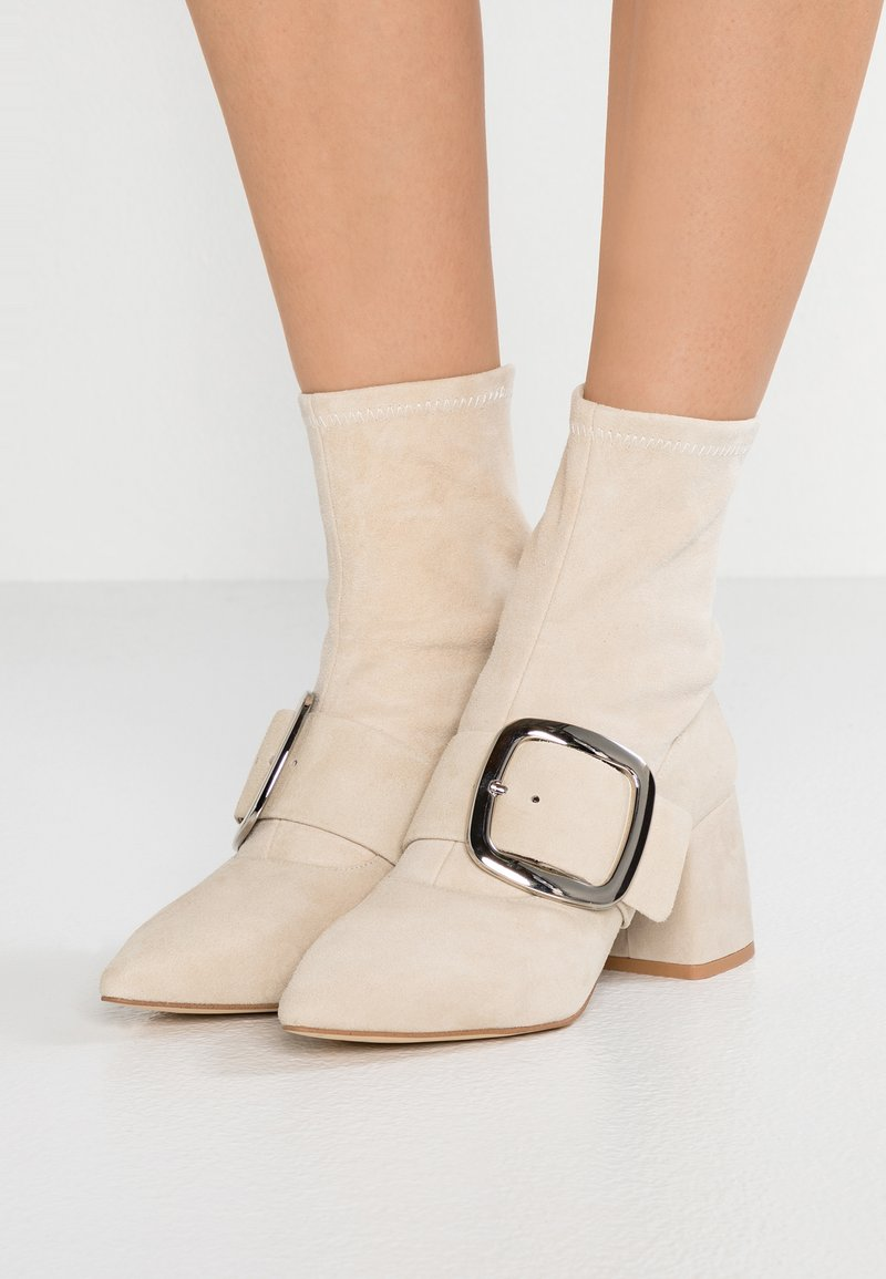 Senso - SABINE STRETCH - Classic ankle boots - sand