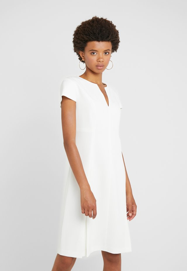 DRESS DORAIA - Freizeitkleid - offwhite