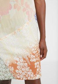 Strenesse - DRESS - Denní šaty - ecru - 5