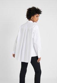 Strenesse - BLOUSE - Overhemdblouse - optic white - 2