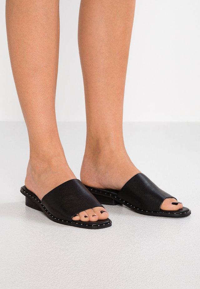 HAMILTON SLIDE - Pantolette flach - black