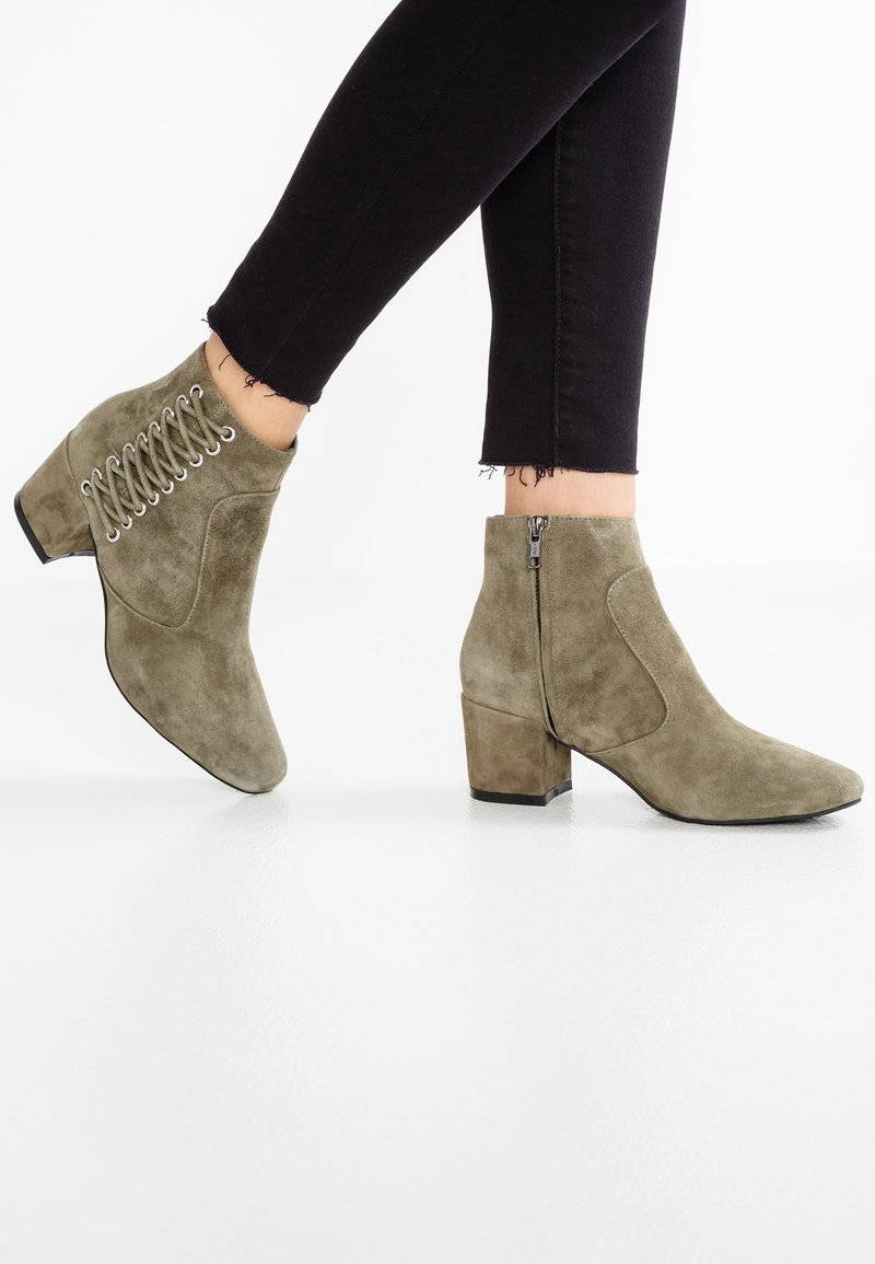 Sol Sana - ROMANCE - Ankle boots - olive